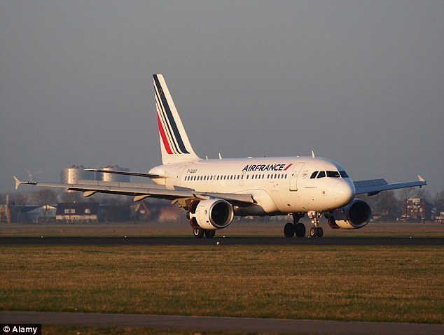 An Air France employees' union is circulating a petition asking the airline to halt its flights to Ebola-hit nations